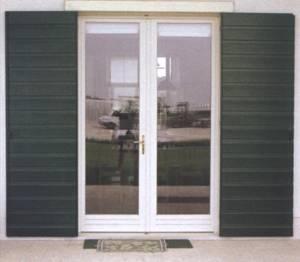 Falegnameria artigiana m e v a di mellusi mario manufatti in legno arredamenti alessandria - Scuri per finestre ...